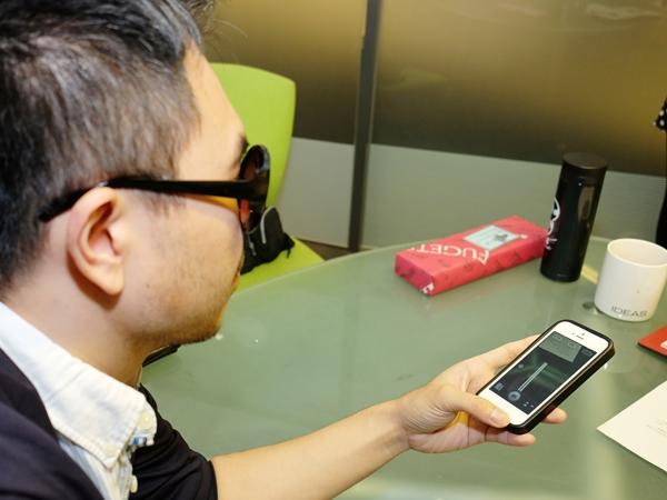 【創客分享】失去雙眼視力的甘仲維,不但念到博士學位還為視障者開發 i-AIM 眼睛代理人