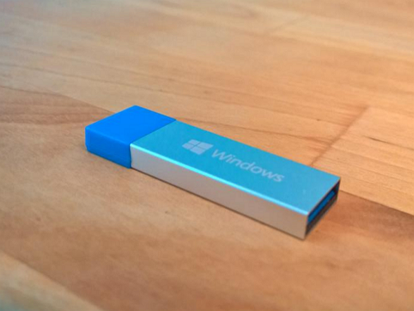 Windows 10 的USB安裝碟曝光,底部似乎有玄機?