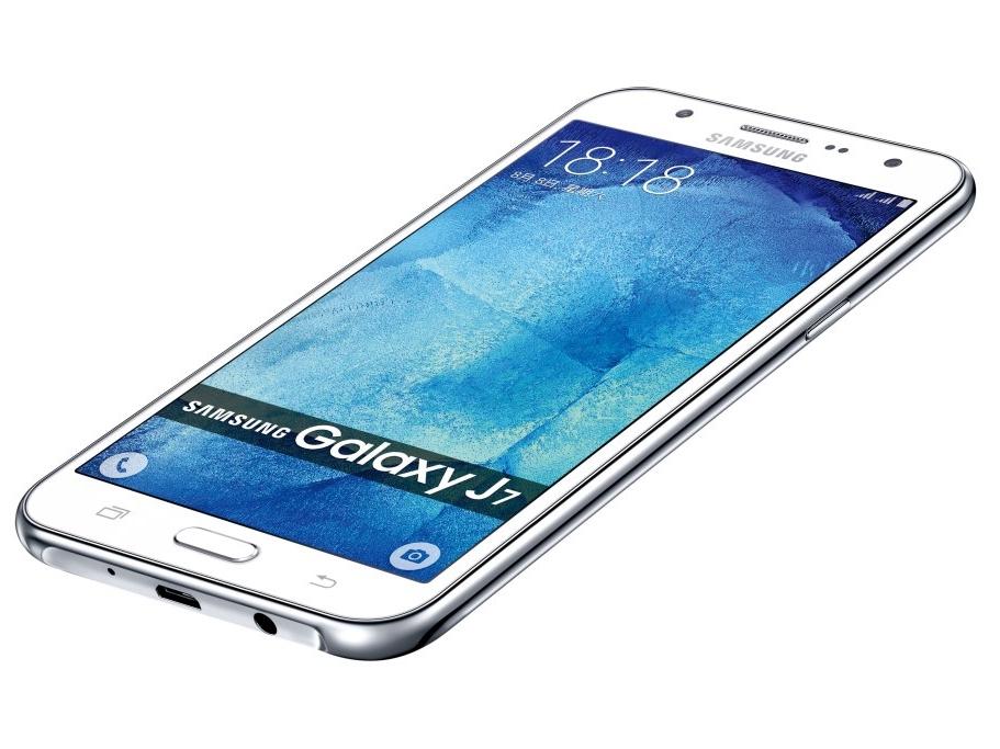 三星推 Galaxy J7 大螢幕雙卡雙待機,售價 7990 元