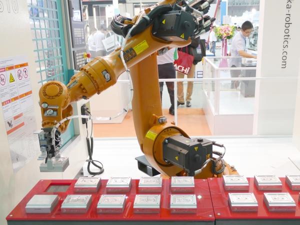 2015 台北國際自動化工業展:這些五花八門的機械手臂,將改變你對「工廠」的看法