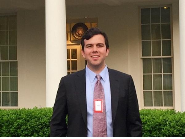 他離開了Facebook,去白宮擔任產品總監--白宮有什麼產品需要管理?