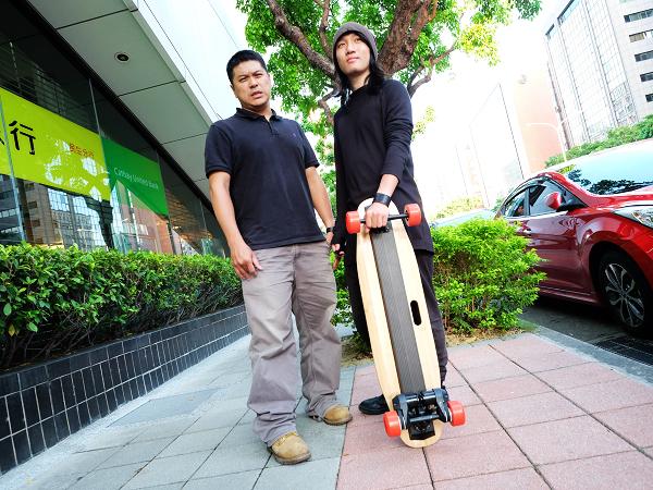 三個台灣年輕人打造的EFZ動力滑板:我們想解決最後一公里的綠能問題。