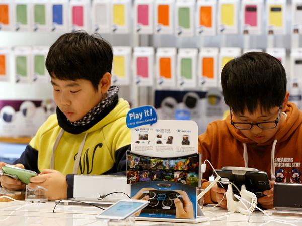 韓國強制在未成年人手機安裝監控軟體,搜什麼、看什麼、聊什麼家長都知道