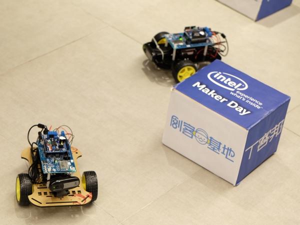 【Maker Club】Intel Edison Wi-Fi 無線遙控攝影車
