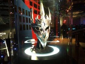 【魔獸世界】暴雪20週年員工紀念品:「英普瑞斯」頭盔