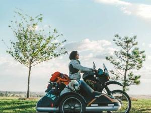 一萬公里大長征!女騎士與愛犬的北美重機壯遊