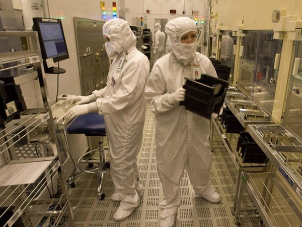 為了搶下iPhone 7訂單,Intel投入千人加入手機處理器戰局