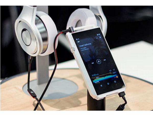 Pioneer 推出高階 MP3 隨身聽 XDP,價格只有Sony ZX2 的 2/3