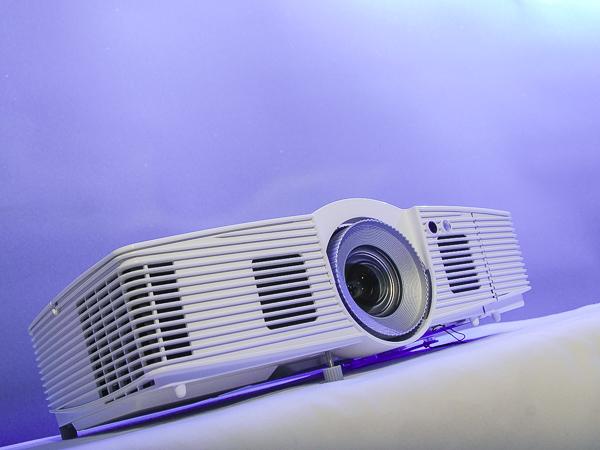 享受不失真的自然色彩,Acer V7500 家庭劇院投影機實測