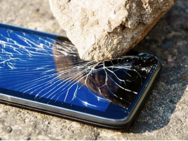 怎麼摔都摔不碎的手機螢幕,你想要嗎?