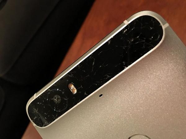 Nexus 6P 多名使用者回報,後置鏡頭周圍玻璃面板極易破裂
