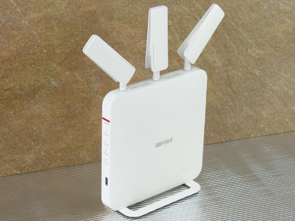 潔白造型與傳輸效能兼具,Buffalo WXR-1900DHP 無線路由器測試