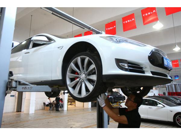 特斯拉宣布召回所有九萬輛已售出 Model S