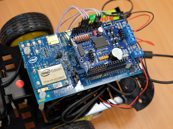 【Maker Club】Intel Edison 前進新竹,Wi-Fi 無線遙控攝影車加開場報導