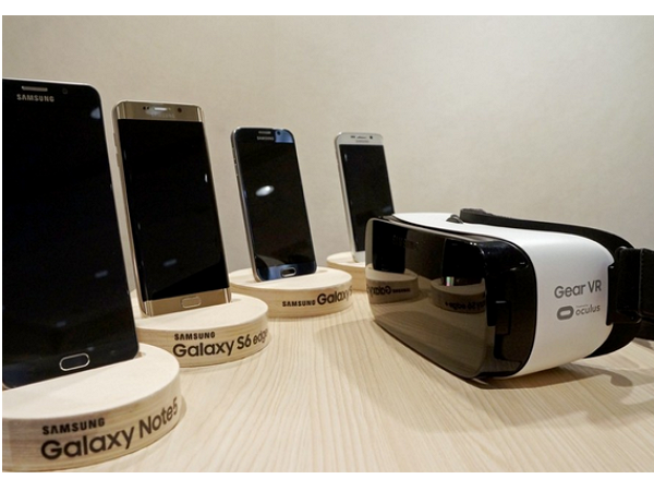 外媒評測 99美元的 Gear VR,到底比紙板做的Google Cardboard 好在哪裡? | T客邦