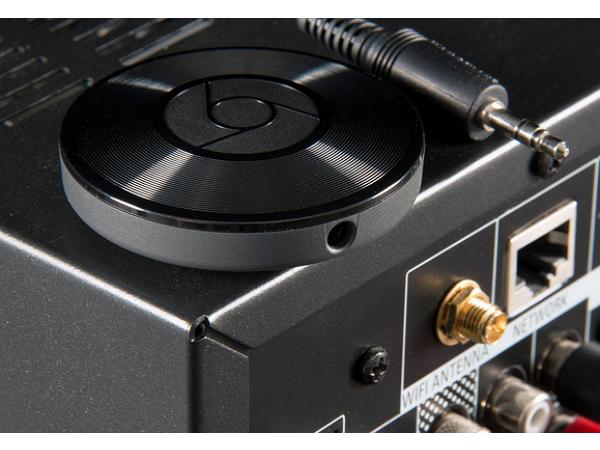 Google 這個 35 美元的小圓盤,能將你家所有的音響連成一體