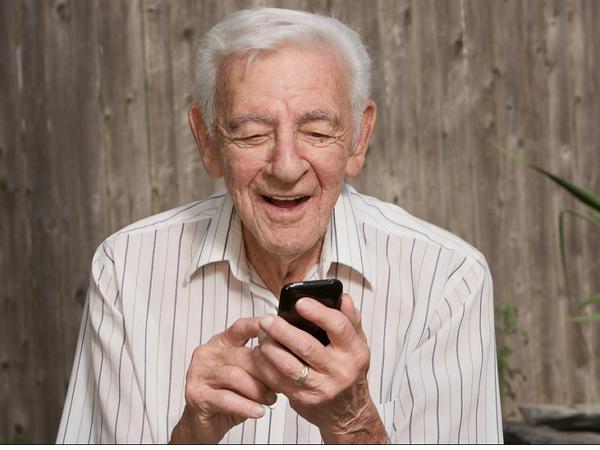 教長輩玩智慧手機,比你想像的要難得多