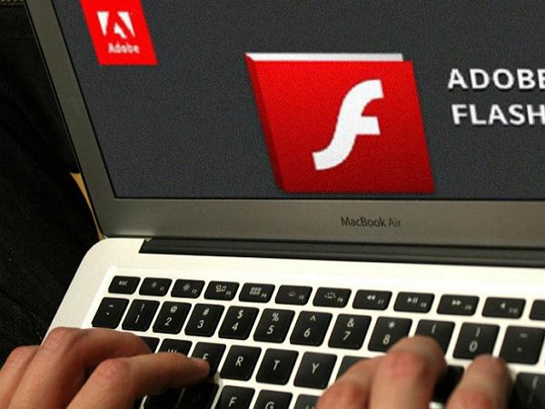 Adobe統計在2015年修補了Flash共 316個Bug,幾乎一天一個!