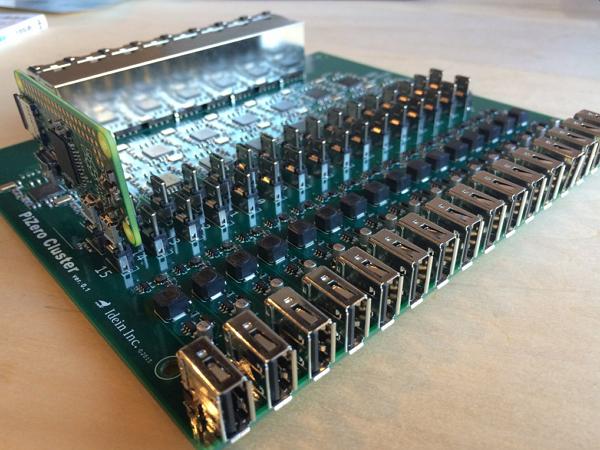16台樹莓派指揮艇組合!搭配這個套件便可以打造一台樹莓派叢集電腦