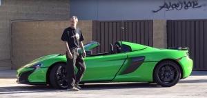 沒上鎖的McLaren 650S Spider就這樣停在空無一人的停車場!?你會上車嗎?