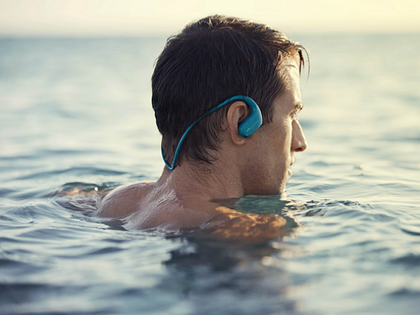 Sony推出全新數位運動隨身聽NW-WS413,零下5度、防水防塵、海洋運動也沒問題 !