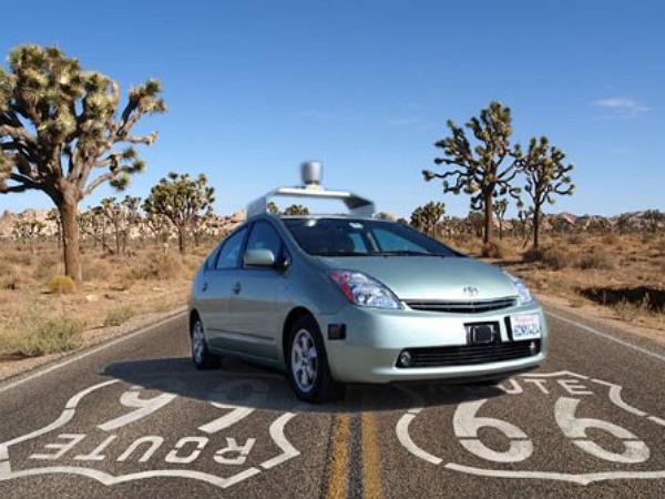 Google無人駕駛車「零失誤」神話破滅,這是首起誤判撞上公車交通事件