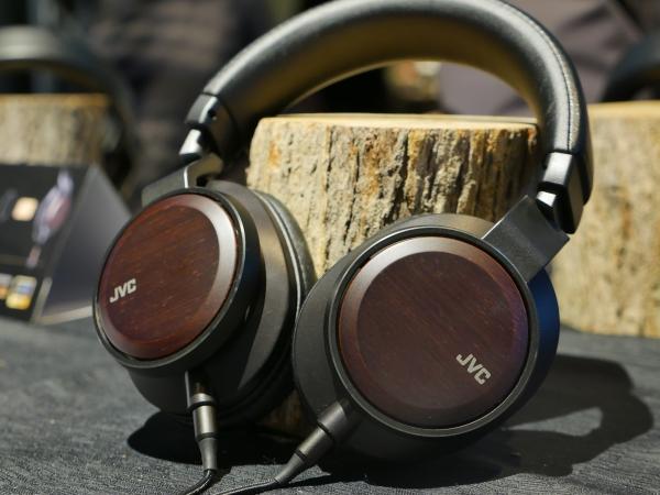 JVC 發表木質振膜耳機 HA-SW01、HA-SW02 重現身歷其境的音質