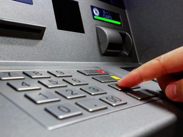 又見ATM詐騙!買書270元遭詐120萬元,連環計騙倒碩士學歷女教師