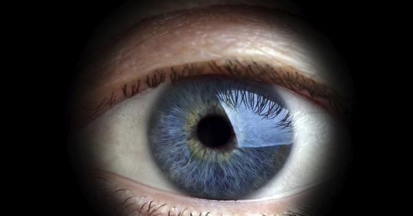 眨眨眼就可以拍照?三星獲得智慧隱形眼鏡專利!