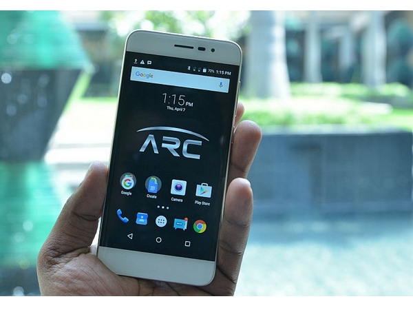 Panasonic印度推智慧手機Eluga Arc:指紋辨識、2.5D弧面、雙卡雙待,僅售185美元