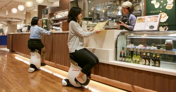 Honda在日本開放體驗用坐的平衡車UNI-CUB β,喝咖啡、逛百貨不用下車 | T客邦