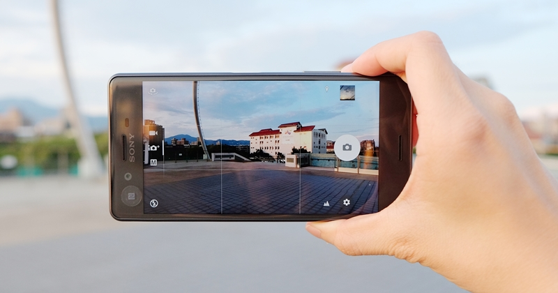 Sony Xperia X Performance 動手玩,預測動態對焦拍照、效能跑分實測