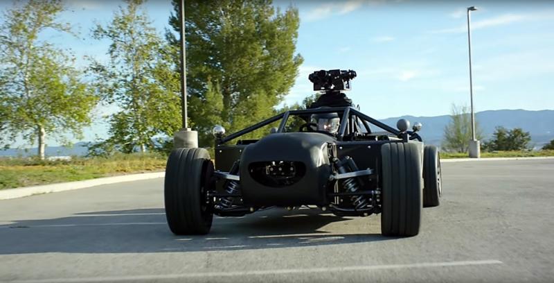 電影飛車追逐拍攝利器,汽車動態拍攝專用車 Backbrid可模擬變身名貴跑車