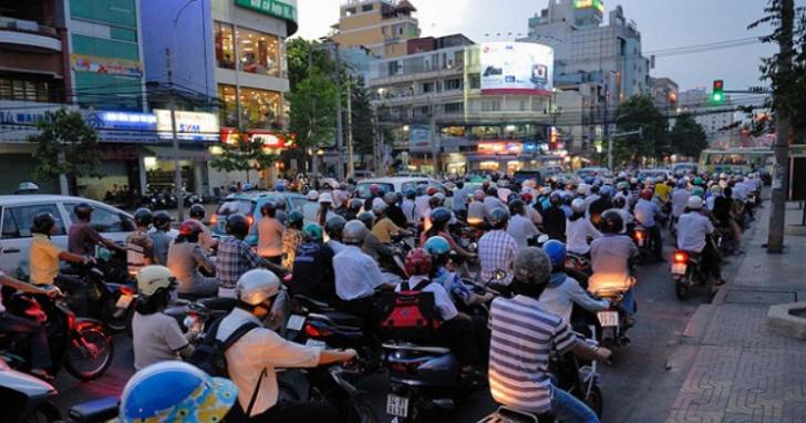 翻轉城市,2025 年越南首都河內禁行機車