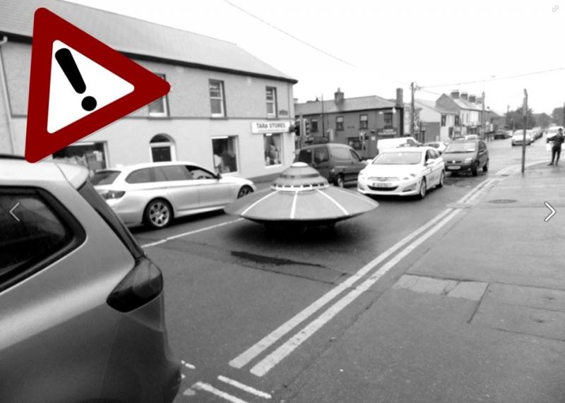 愛爾蘭街頭出現飛碟,連當地警方都出馬護送?