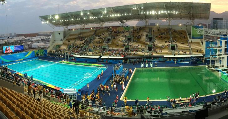 里約奧運的泳池變綠是怎麼一回事?