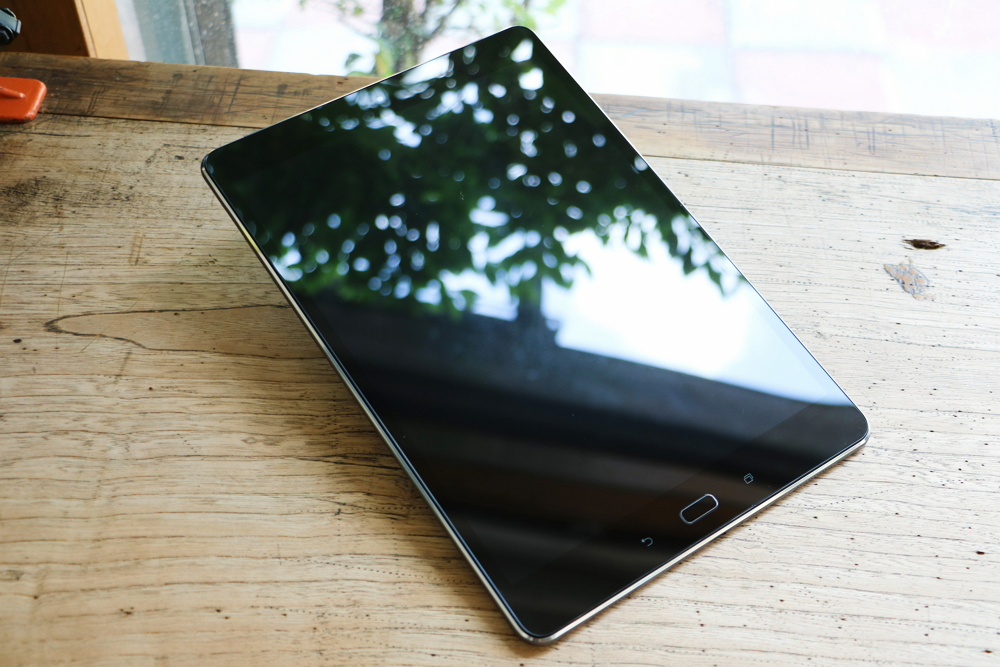 新一代追劇神器ZenPad 3S 10開箱評測,2K螢幕還原細膩畫面