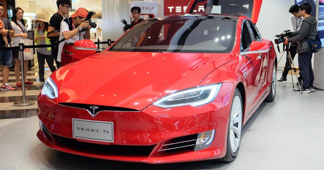 特斯拉 Tesla 台灣旗艦店開幕,Model S 明年第一季開始交車