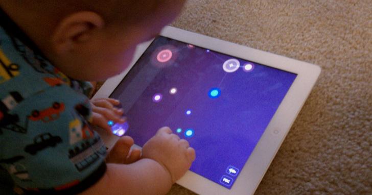 兒童到底該不該從小接觸平板、手機?這是美國兒科學會的最新建議