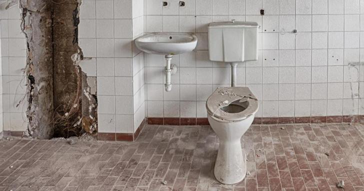 悲慘的不是找不到廁所,而是進去發現噁心到沒辦法使用...所以 Google發佈了找乾淨廁所的App