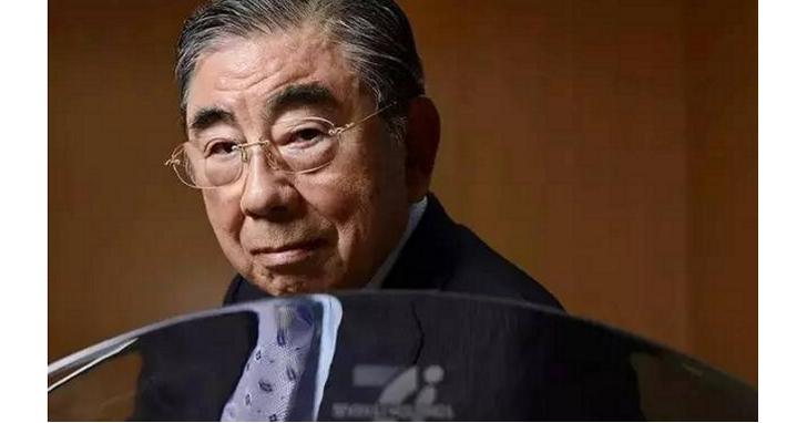 他在今年以83歲高齡黯然離職,但將以「日本7-Eleven之父」在零售業永遠留名