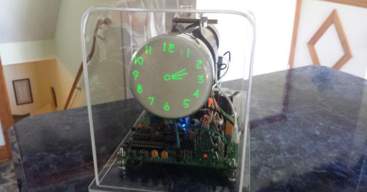示波器時鐘又來了,Oscilloscope Clock IV支援尺寸更大的顯示器