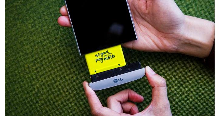 怕電池爆炸,「傷不起」的LG將在下一代旗艦手機G6上使用可拆卸電池設計