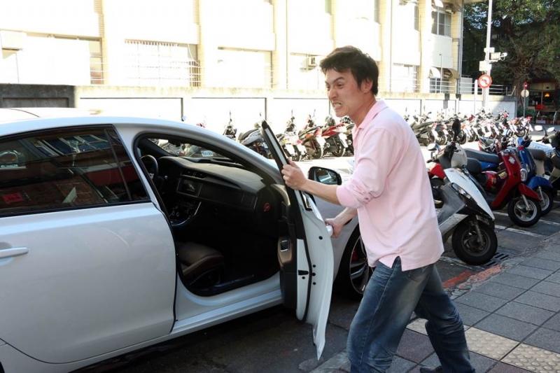 不要那麼用力關車門啦!車門跟車身「硬碰硬」會給車子帶來哪些負面影響?