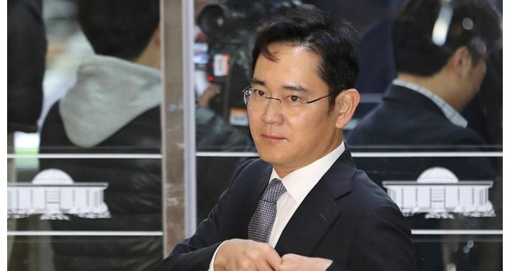 受南韓總統朴槿惠醜聞案牽連並涉嫌賄賂,韓國檢方申請逮捕三星少主李在鎔