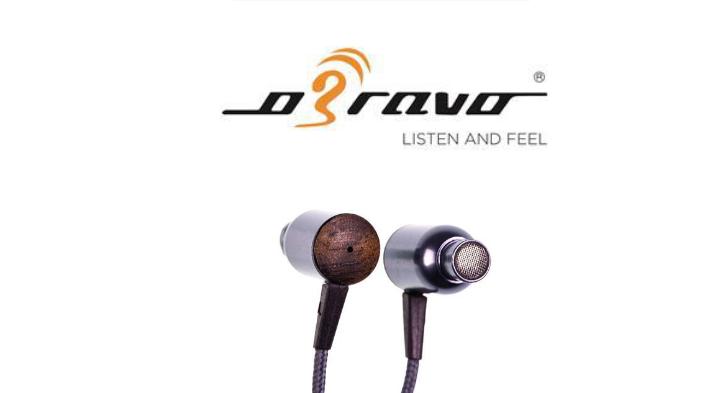 世界第一支以同軸式設計混合平面振膜單體、銣磁動圈單體的入耳式耳機