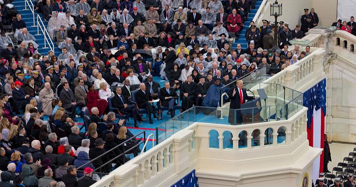 CNN放出一張10億像素的川普就職照片,一張圖看出數萬人那一秒鐘當時在幹嘛 | T客邦