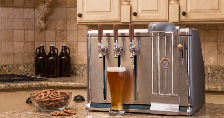 能與手機連線的Growler Chill啤酒機,在家也能享受精釀啤酒的最佳口感