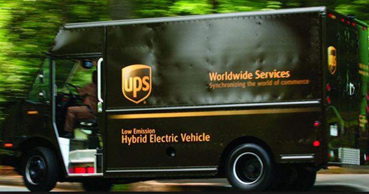 每年可省下一千萬加侖油料,什麼是UPS貨車司機的「不左轉科學」?