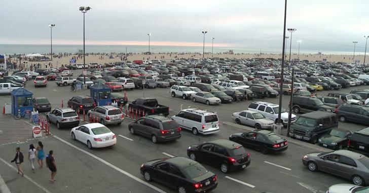 終於不用再煩惱忘記車子停哪了!Google Maps 將推出的更新可標記你的停車位置